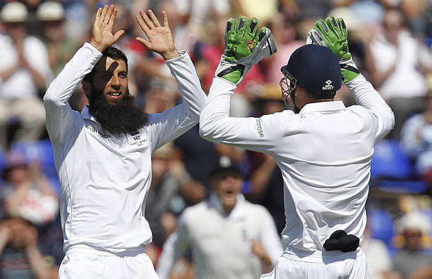 Moeen Ali takes a wicket
